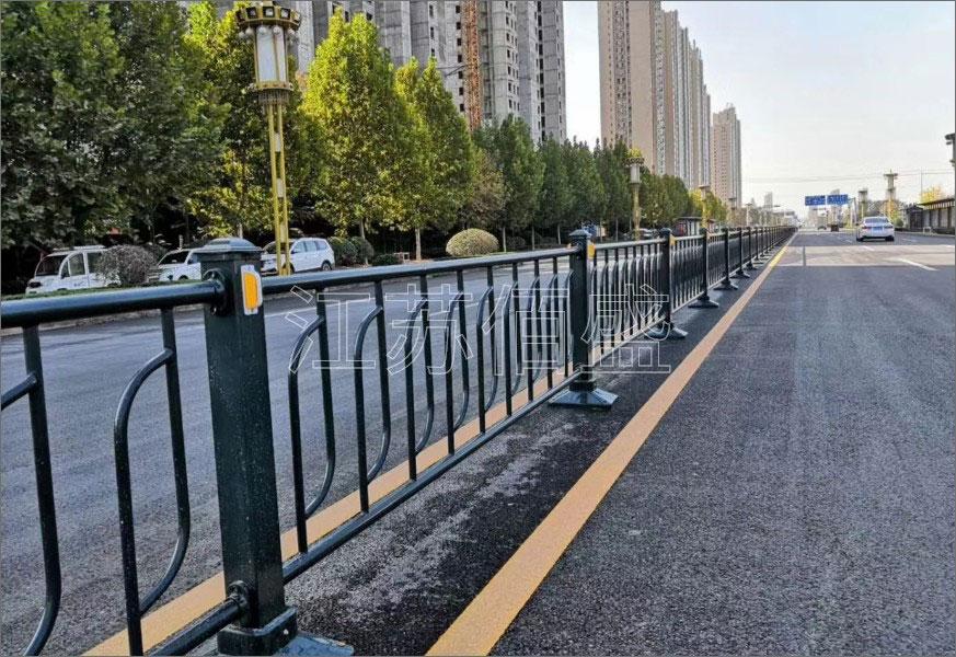 桥梁护栏按防装性能划分有哪几种