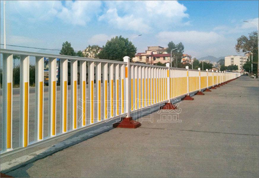 道路、市政护栏的广泛应用